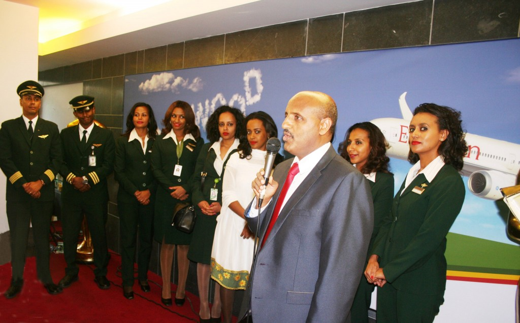 Mr Gebremariam, CEO & the crew of the Ethiopian Airlines 787