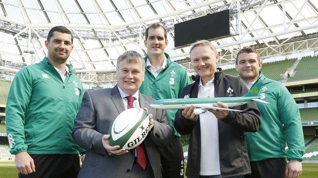 Ireland head coach Joe Schmidt and players Rob Kearney, Devin Toner and Jack McGrath are pictured with Mike Rutter, Chief Revenue Officer at Aer Lingus