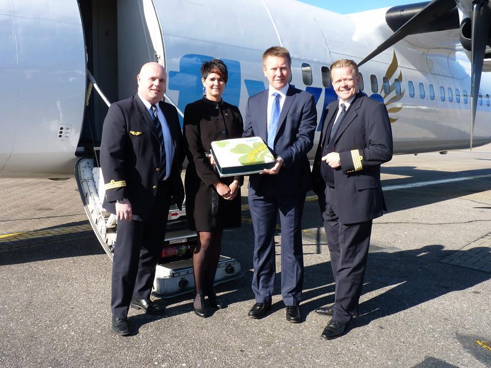 Co-pilot Björn Lindeboom, Alix DeWeerdt - CCO, VLM Airlines, Neil Thompson - Operations Director, LLA, Captain Eimar de Jong at Luton
