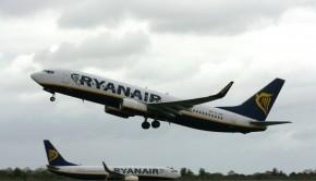 Ryanair Boeing 737-8AS (IMG1804 JL)