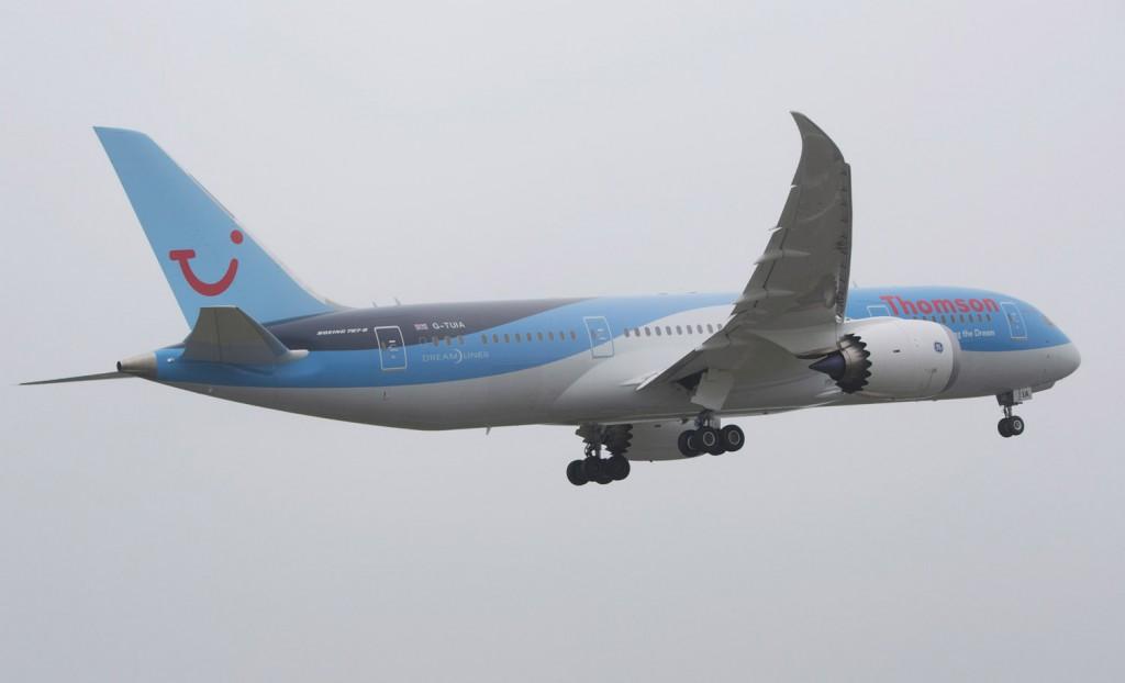 Thomson Airways Boeing 787 take off