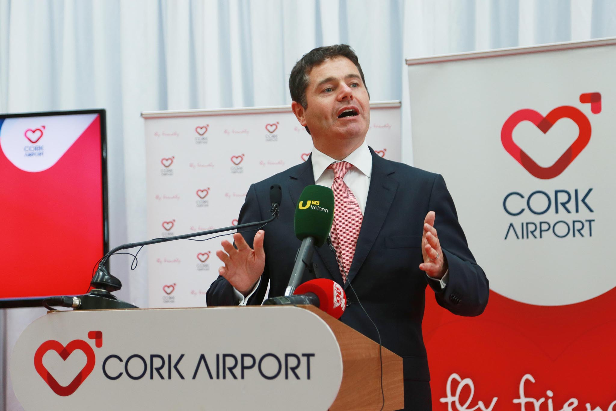 "CORK AIRPORT WELCOMES NEW AER LINGUS DÜSSELDORF ROUTE Cork Airport welcomes today's announcement that Aer Lingus is to operate a new Düsseldorf service for summer 2016. The new service, which will commence in May 2016, will operate twice weekly on Wednesday and Sunday. The announcement was made by Minister for Transport, Tourism and Sport, Paschal Donohoe TD at a press conference at Cork Airport. Minister Donohoe was also accompanied by Aer Lingus CEO Stephen Kavanagh. Welcoming the announcement of the new route, Cork Airport Managing Director, Niall MacCarthy said: ""We're delighted that Aer Lingus has added Düsseldorf to its schedule of services from Cork Airport; it's great news for business and leisure passengers in the region."" Pictured is Minister for Transport, Tourism and Sport, Paschal Donohoe. Picture: Miki Barlok"