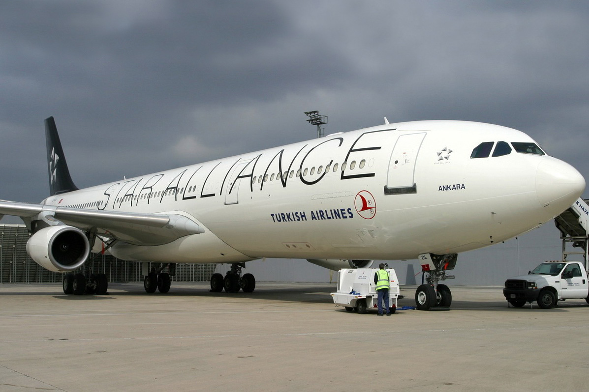 Turkish Airlines A340 in Star Alliance colours