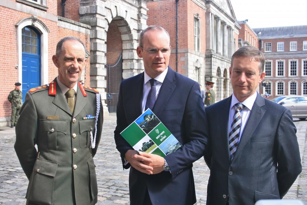 White Paper - Minister Simon Coveney, Lt Gen Conor O'Boyle & Maurice Quinn (IMG5133 JL)