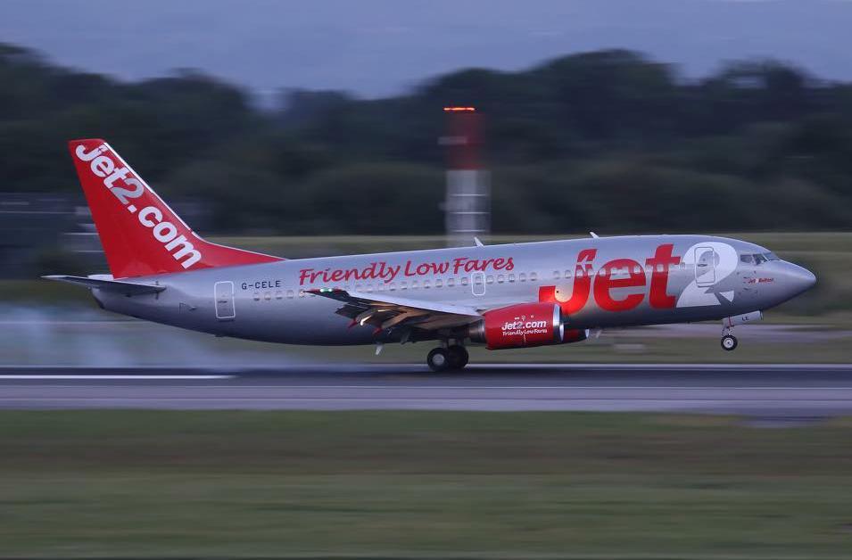 Jet2 G-CELE landing afte Cpt Alastair Atchison's last flight