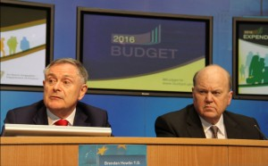 Ministers Noonan & Howlin at the Budget 2016 press conference (GIS)