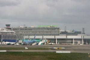 Dublin Airport ramp (IMG9939 JL)