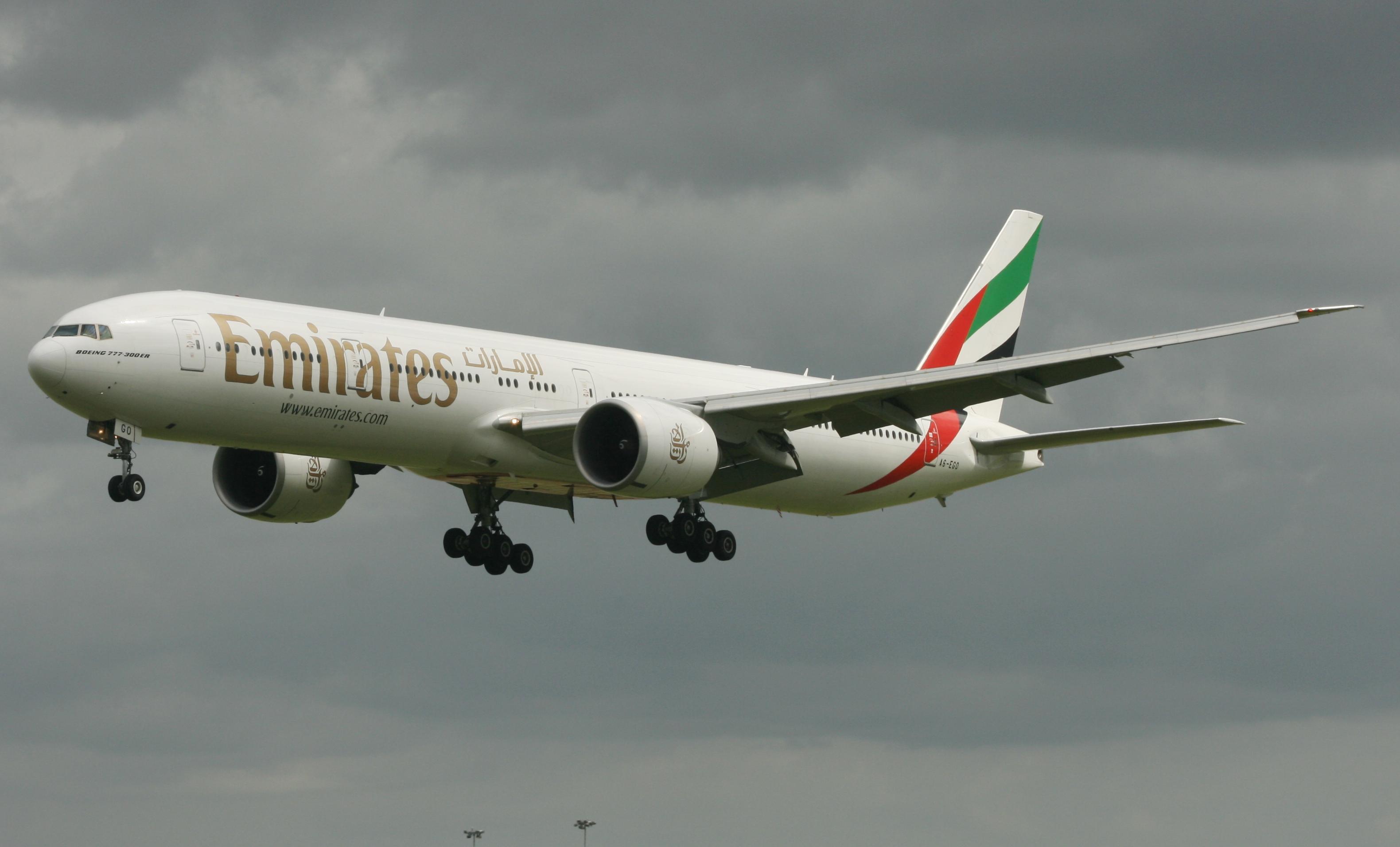 Emirates 777 A6-EGO (IMG3416 JL)