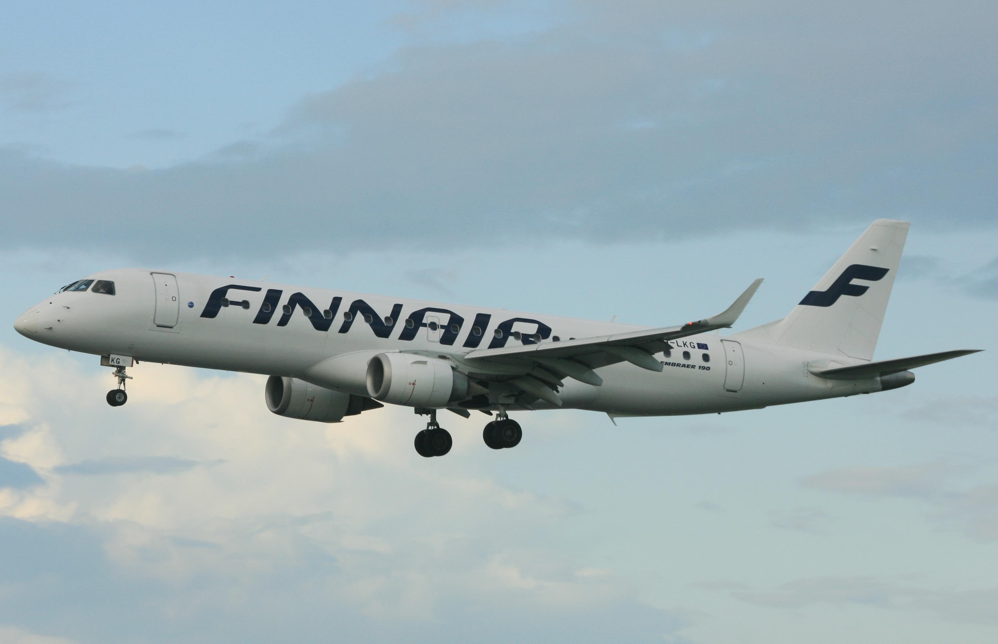 Finnair Embraer OH-LKG (IMG5211 JL)