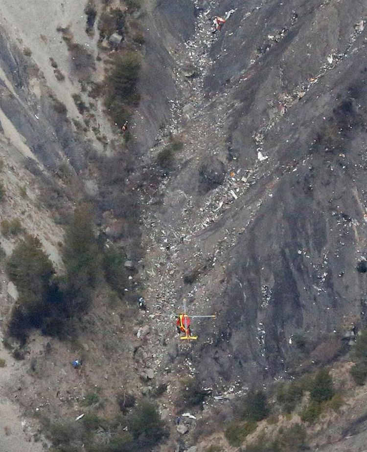 Germanwings flight 4U9525 wreackage (Defense Ministry)