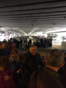 Brussels Airport long queues