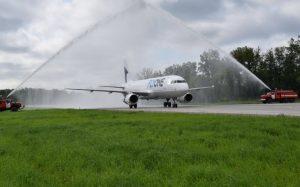 Flyone  A320-231 ER-AXJ