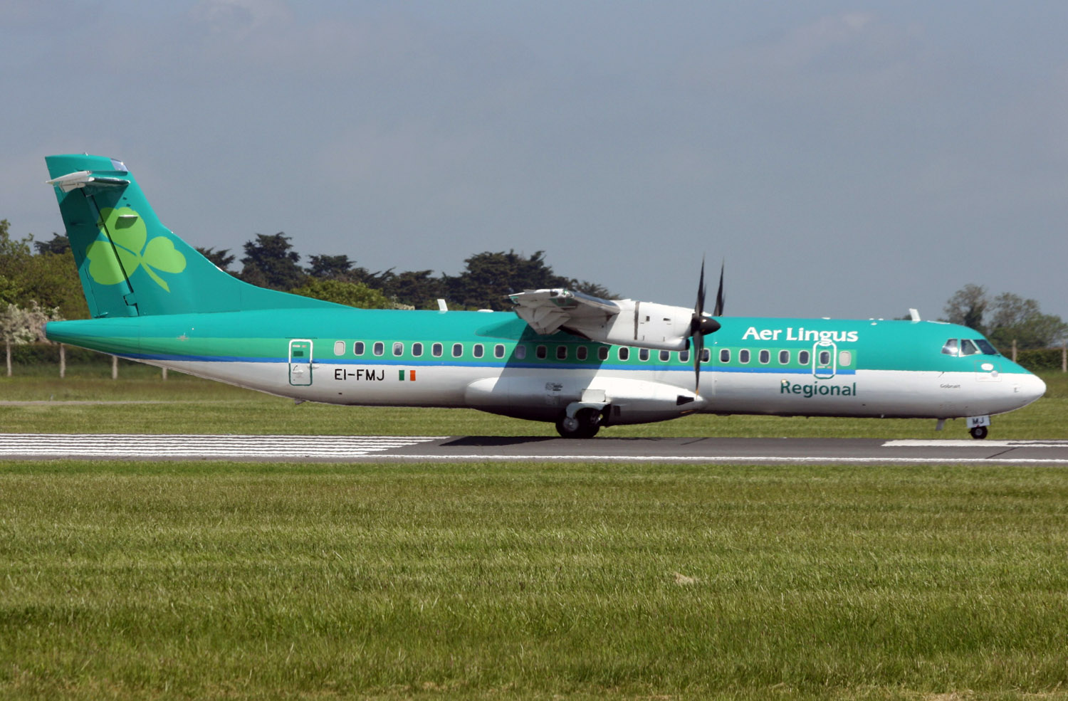 Stobart Air new ATR72 EI-FMJ (IMG0547 JL)