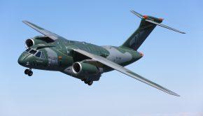 1_KC-390_Air-to-air_05-2