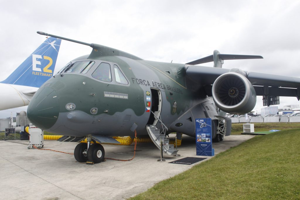 KC-390 at FIA16