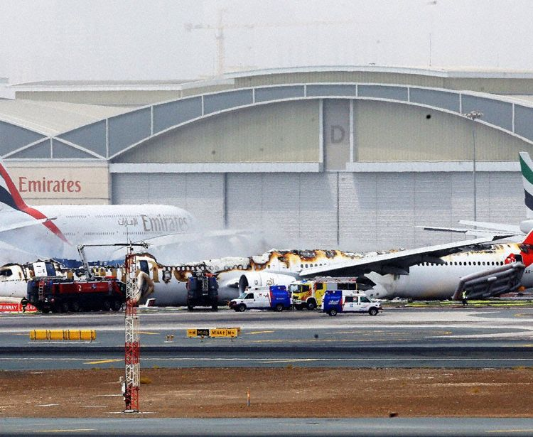 Emirates B773 wreckage after fire was extinguished (Photo DOT Emirates)