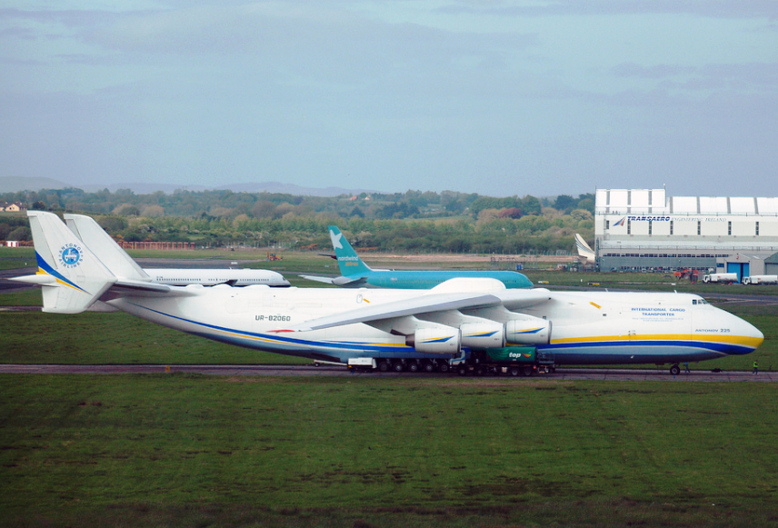 Antonov An-225 UR-82060 in Shannon