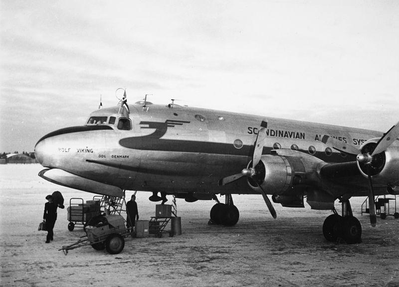 sas-dc-4-rolf-viking-oy-dfo-on-the-ground-1950s