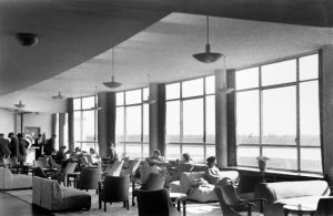 the-loung-at-collinstown-airport-1946_med