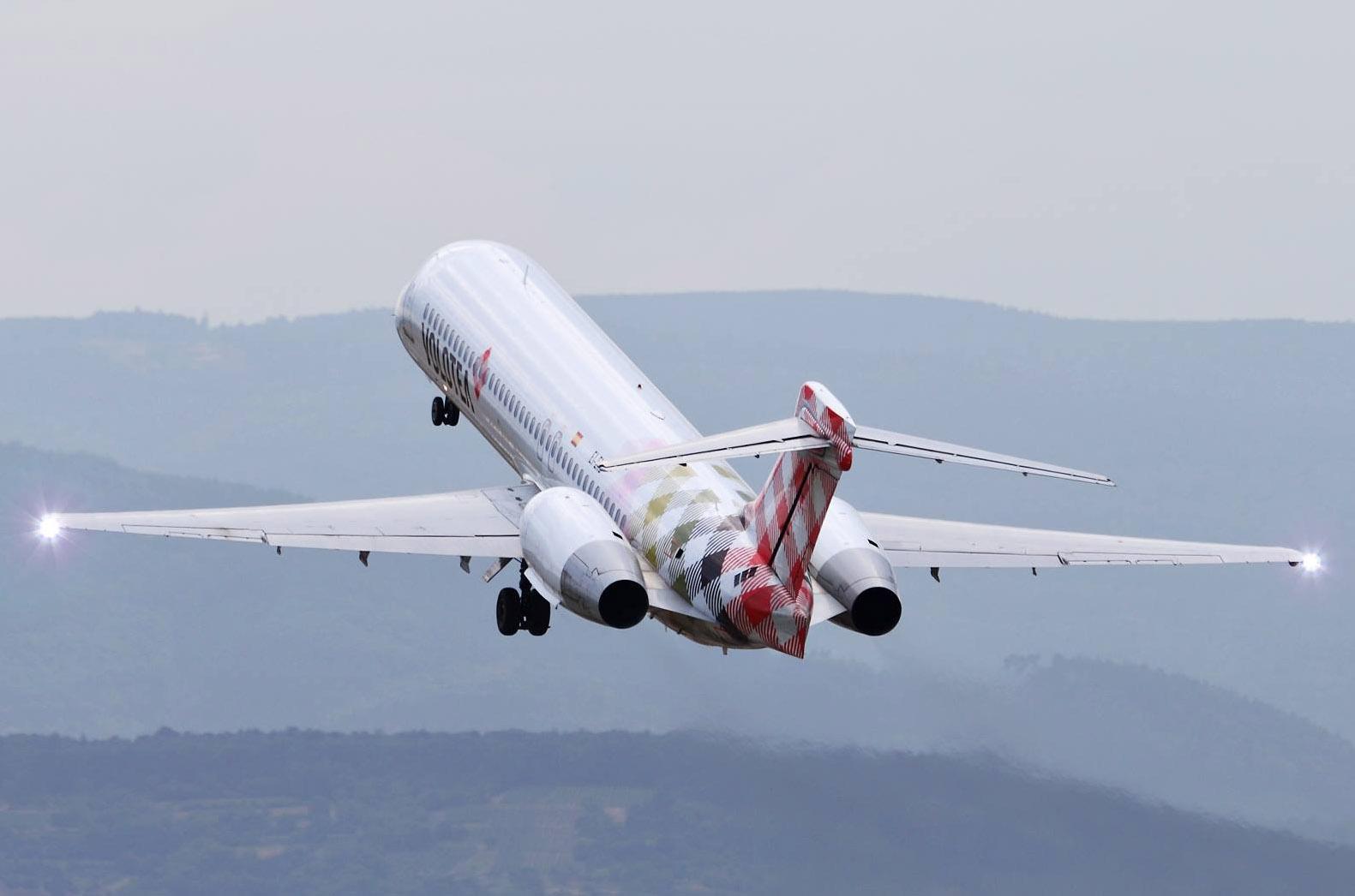 volotea-boeing-717-on-take-off-volotea