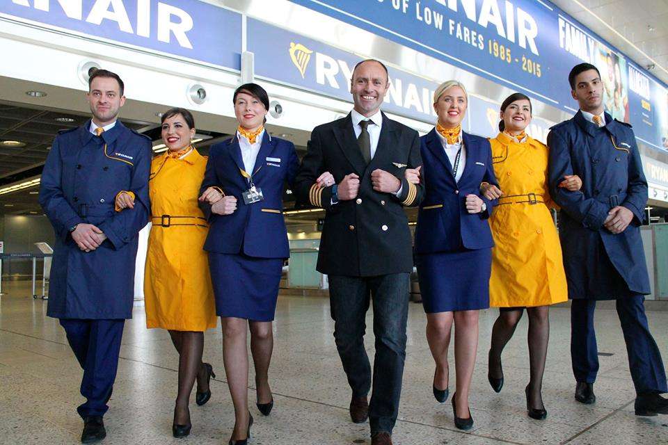 ryanair-new-ground-crew-uniforms-ryanair